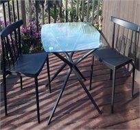 סט שולחן וזוג כסאות פלסטיק לגינה