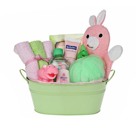 בייבי ספא ירוק ורוד - מתנת לידה מקסימה ושימושית המורכבת ממוצרים איכותיים
