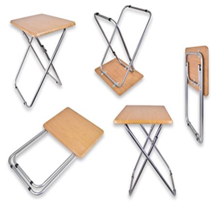שולחן קומפקטי מתקפל בצבע עץ לשימוש בתוך הבית ובחוץ - תמונה 3