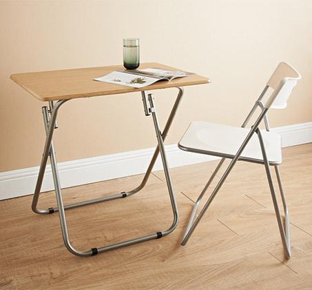 שולחן עץ מתקפל לבית ולגינה