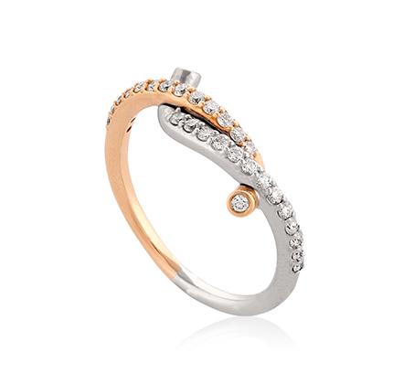 טבעת עדינה ומיוחדת משובצת יהלומים במשקל כולל של 0.40 נקודות