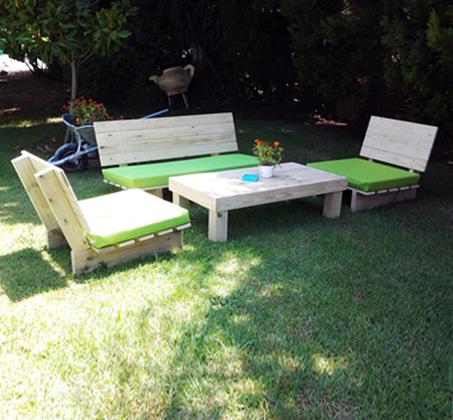 פינת זולה קלאסית מעץ אורן איכותי, הכוללת ספסל זוגי, 2 ספסלי יחיד ושולחן - תמונה 7