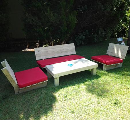פינת זולה קלאסית מעץ אורן איכותי, הכוללת ספסל זוגי, 2 ספסלי יחיד ושולחן - תמונה 9
