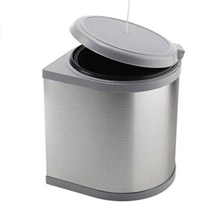 פח אשפה נשלף עם פתיחת הדלת בצבע לבן