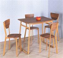 פינת אוכל מעץ כוללת שולחן ו-4 כסאות