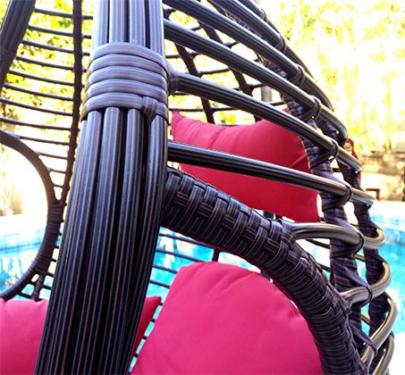 נדנדת ערסל בגימור דמוי ראטן מעוגל עבה במיוחד דגם X-WAVE הכולל פתחי אחיזה בצידי הנדנדה HomeTown  - תמונה 3