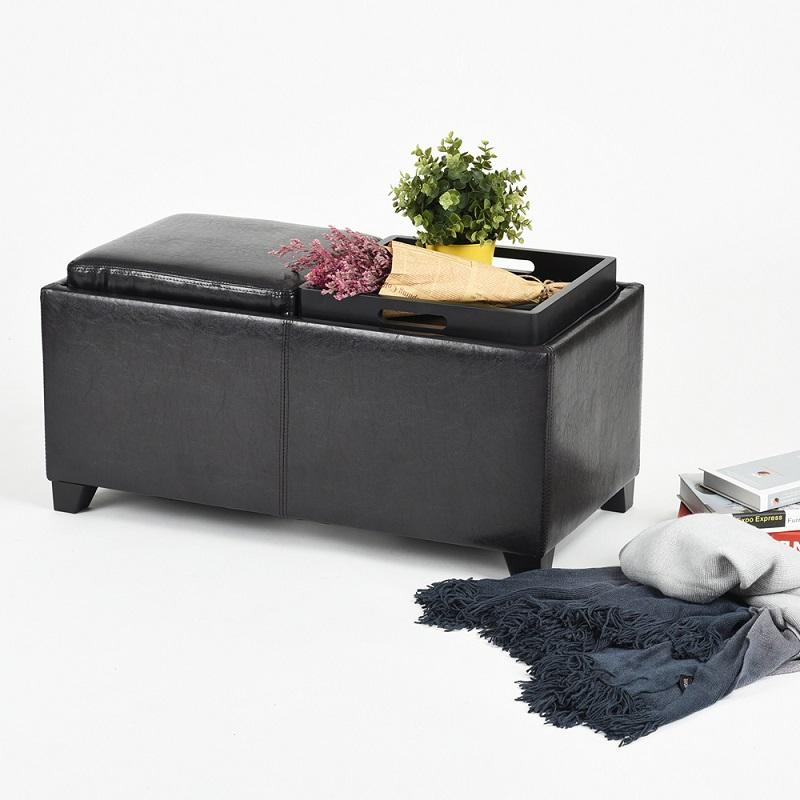הדום ענק מרופד המשמש מושב וגם שולחן הגשה