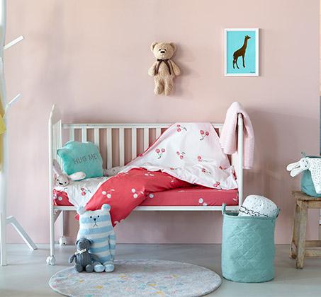 סט מצעי כותנה למיטת תינוק דגם צ'רי + סט מגבות ידיים מתנה