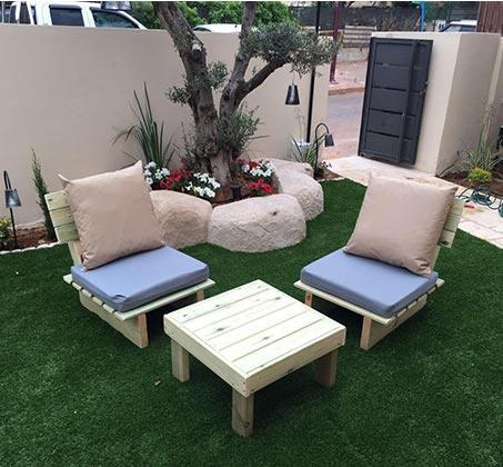 """סט ישיבה לגינה """"זולה"""" WOODLEE כולל 2 ספסלים ושולחן"""