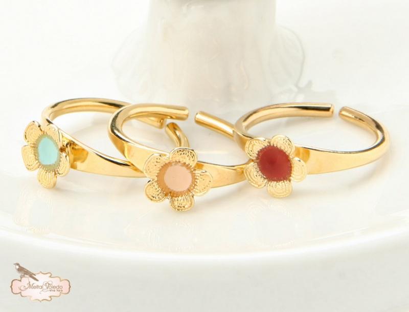טבעת פרח אמייל.