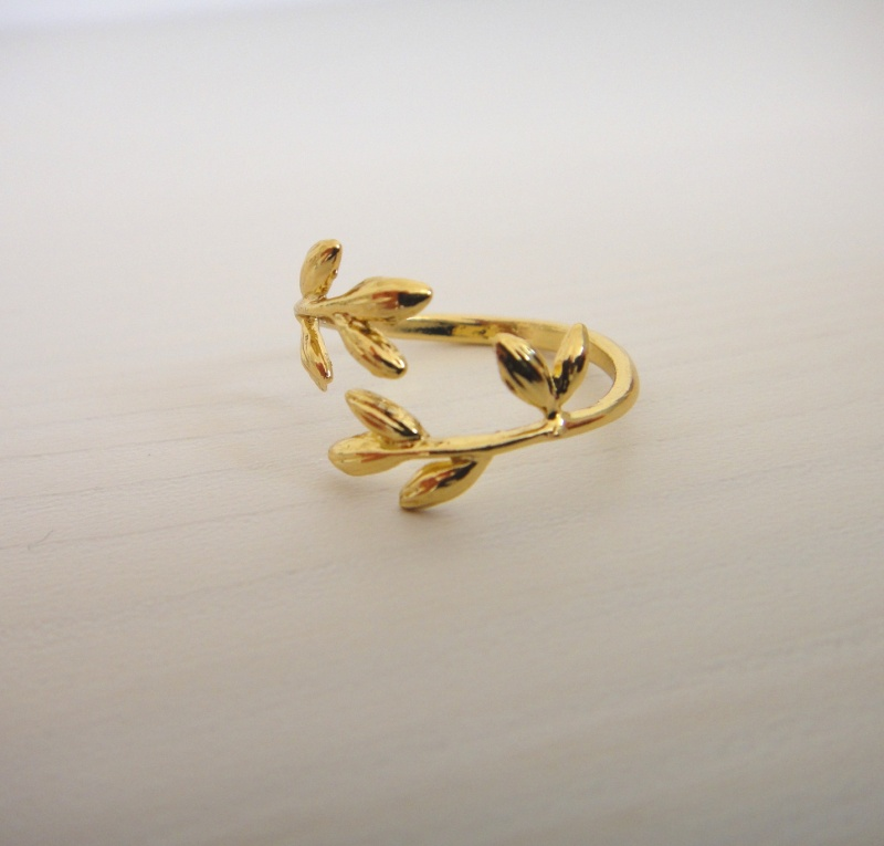 טבעת עלים