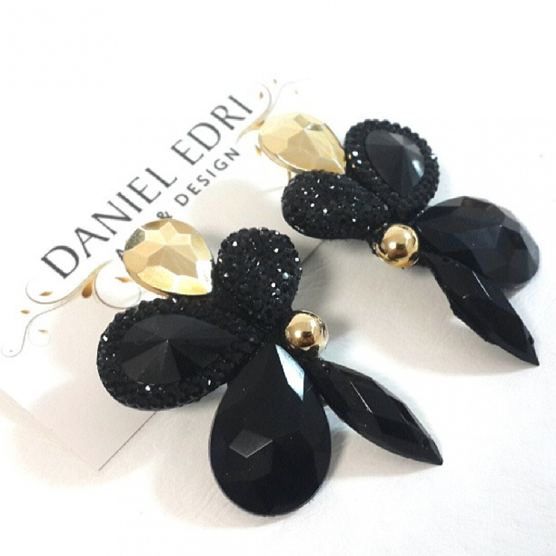 עגיל הפרח השחור זהב