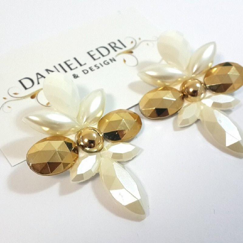 עגיל קרניים זהב פניה