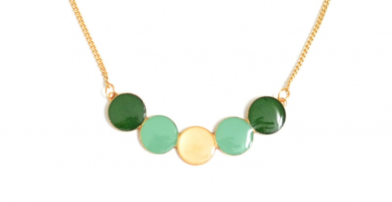 שרשרת עיגולים ירוק טורקיז שמנת