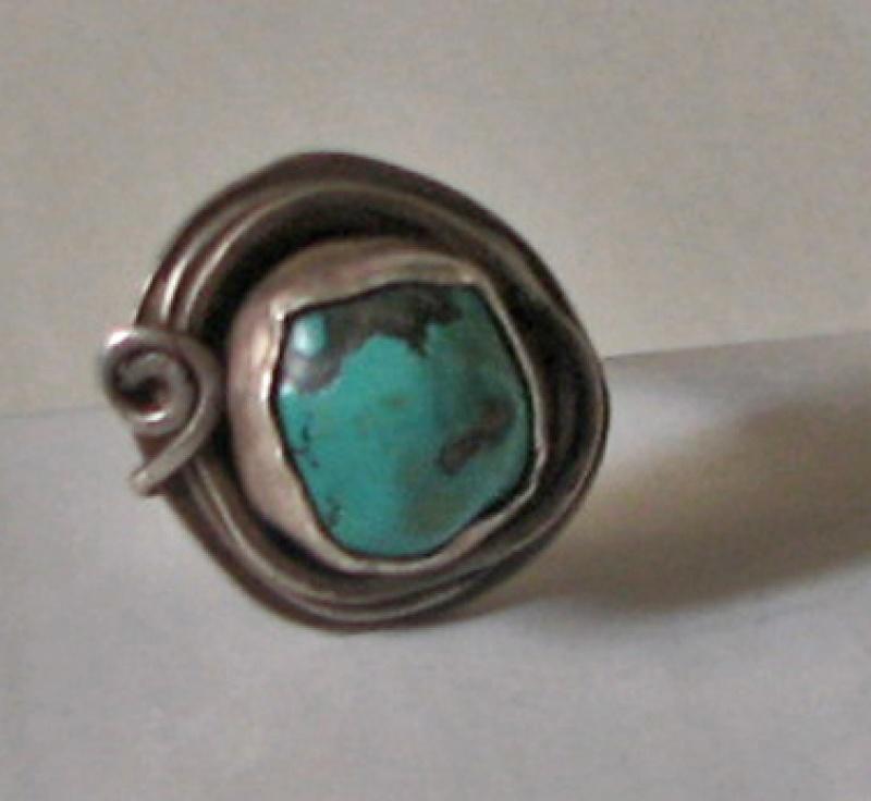 טבעת כסף עם אבן טורקיז