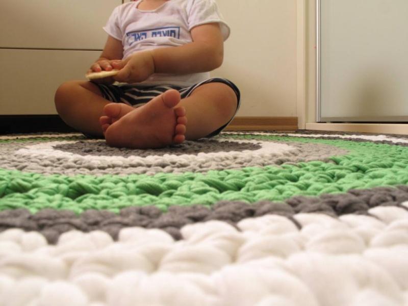 שטיח סרוג מחוטי טריקו, קוטר 105 ס