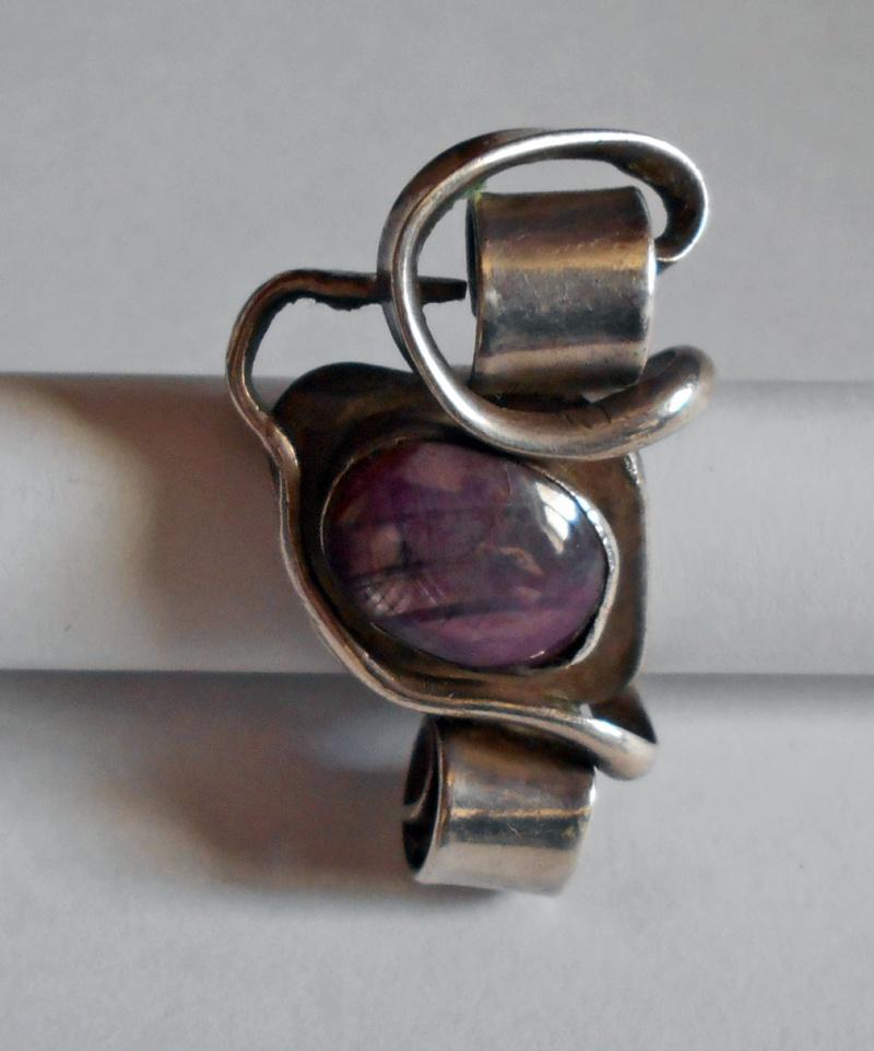 טבעת כסף עם אבן רובי-סטאר