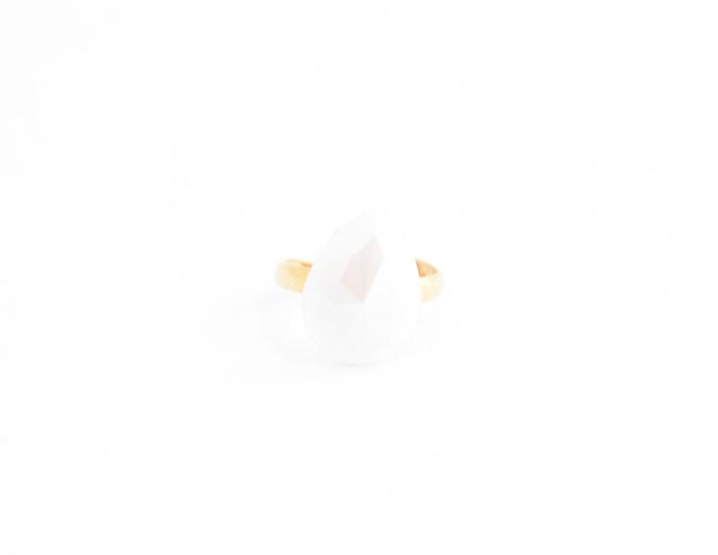 טבעת טיפה לבנה