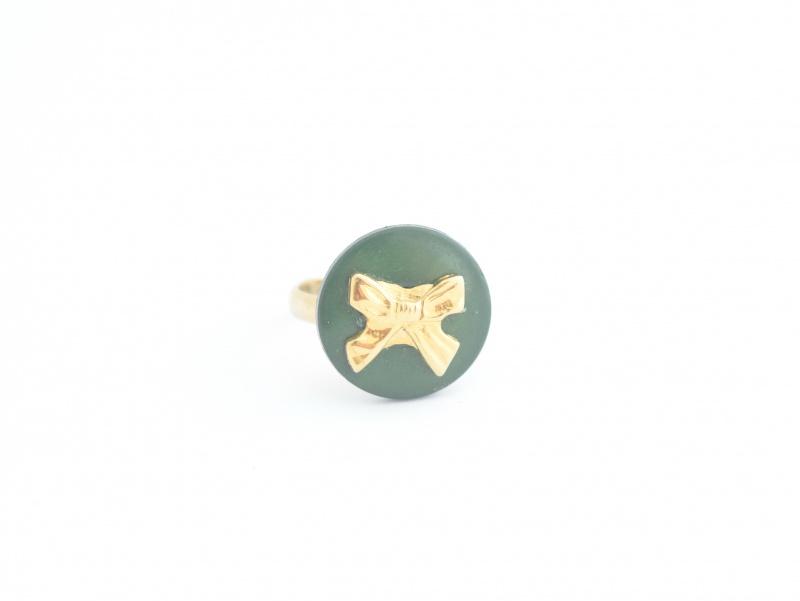 טבעת פפיון ירוק