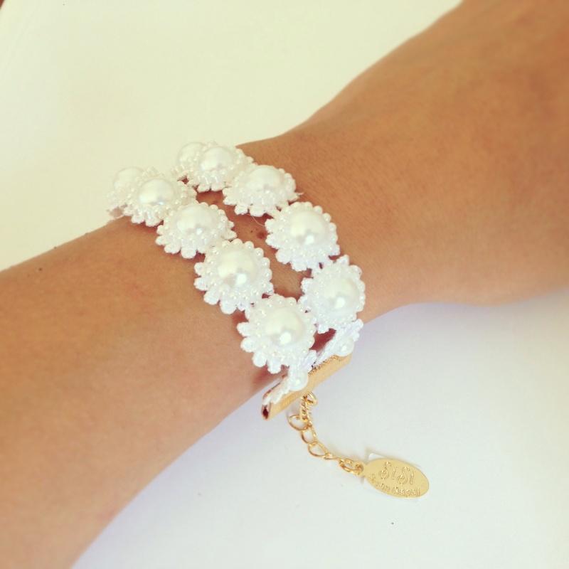 צמיד כלה שתי שורות-פרחים לבנים