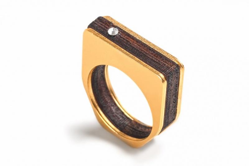 טבעת מרובעת עץ זהב