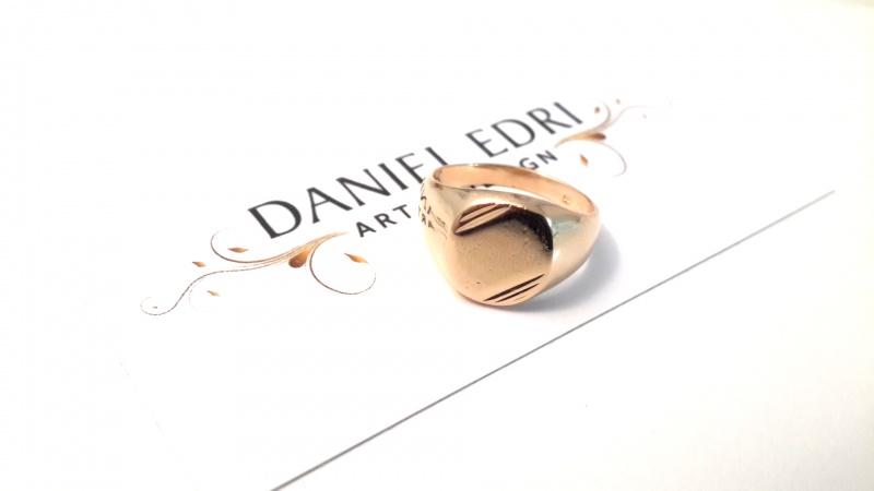 טבעת חותם פסים עם אופציה לחריטה