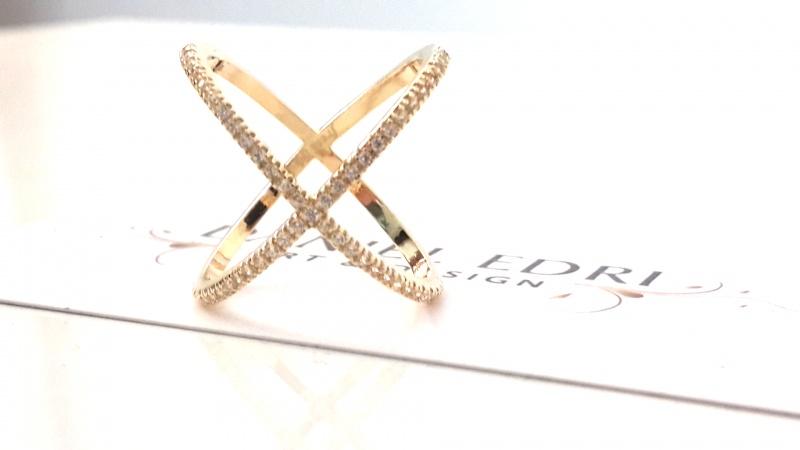 טבעת X משובצת גולדפילד