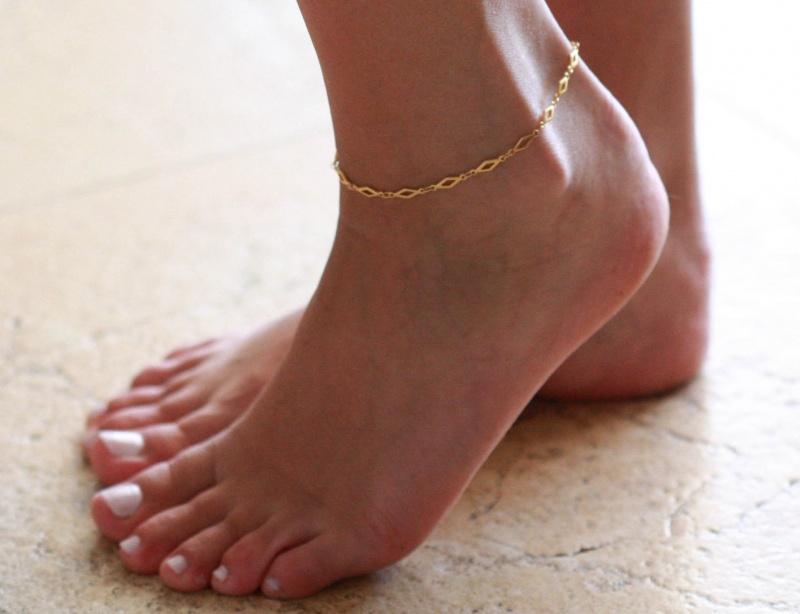 צמיד רגל - צמיד זהב לרגל - צמיד רגל אופנתי - צמידי רגלים - תכשיטי חוף - תכשיטי קיץ - צמיד רגל זהב מעויינים