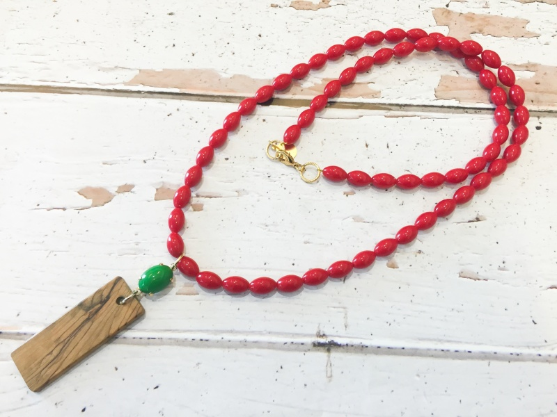 שרשרת חרוזי תפילה ארוכה אדום ירוק