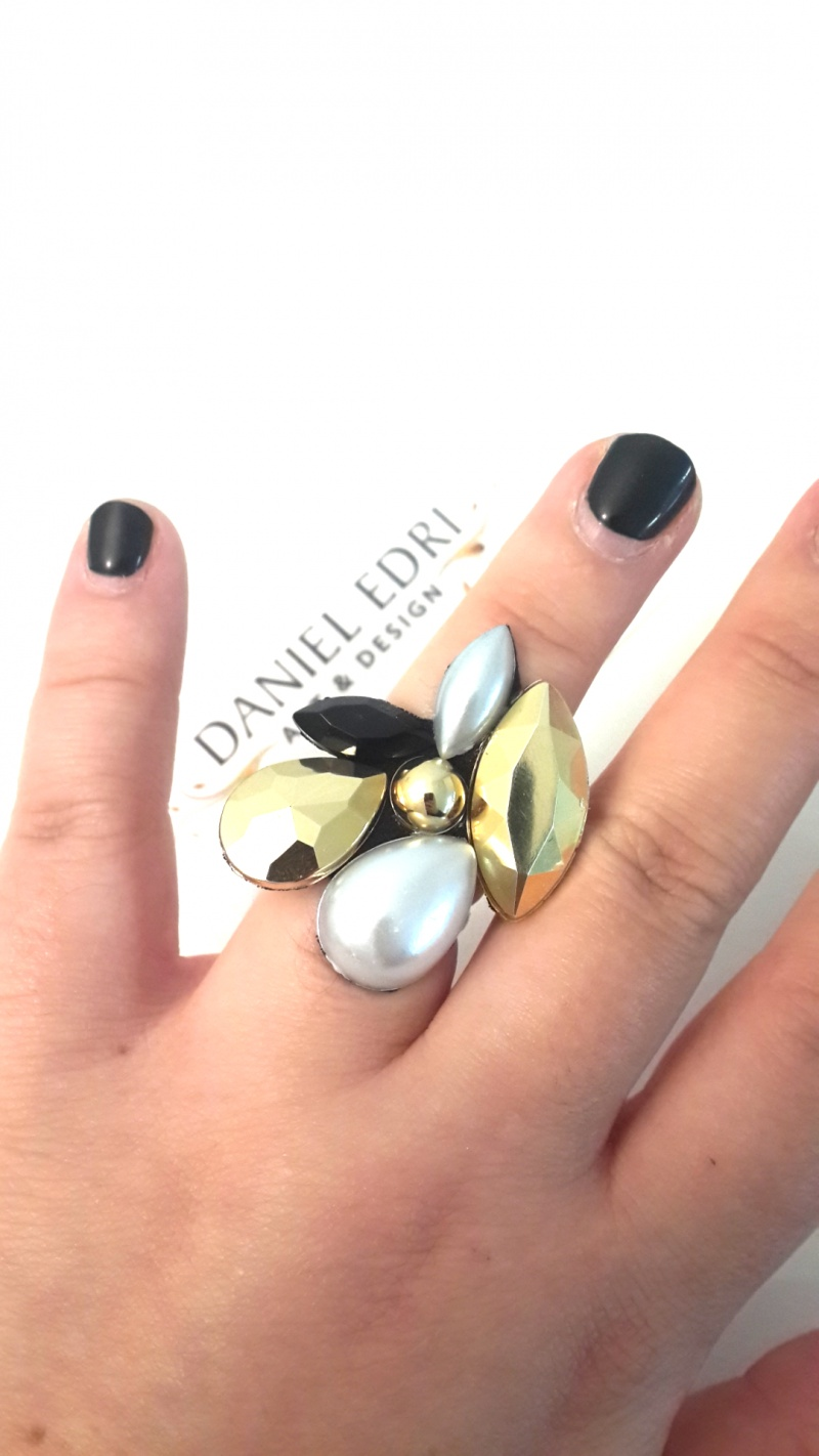 טבעת המניפה- פנינה זהב שחור