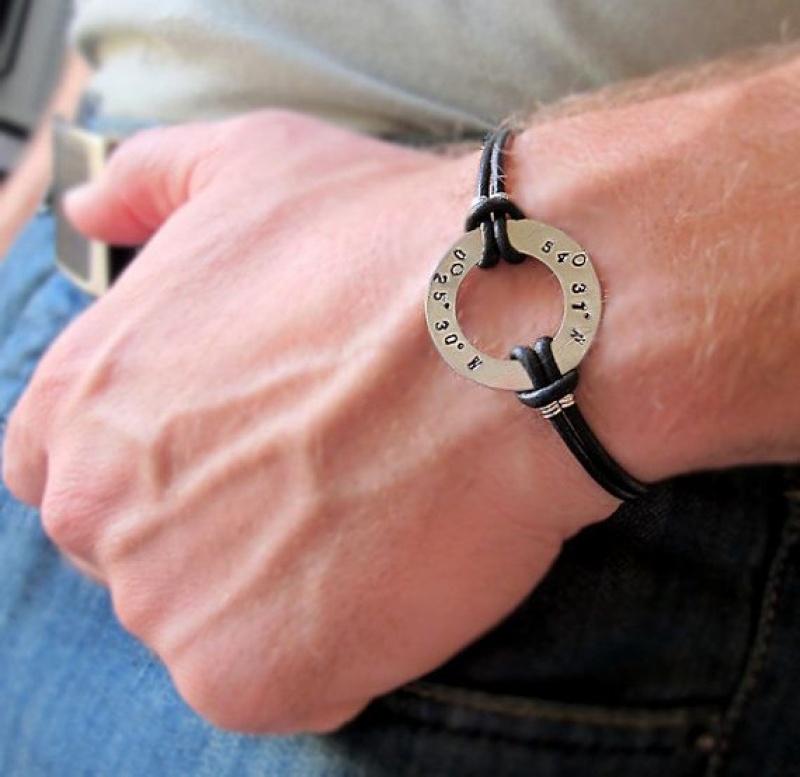 צמיד לגבר עם חריטה אישית - צמיד עור אמיתי לגברים - מתנות לגברים - חריטה על הצמיד - מתנה לבן זוג