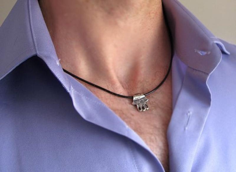 שרשרת חמסה לגבר - תכשיטי גברים - שרשרת עור לגבר - שרשרת לגבר - מתנות לגברים