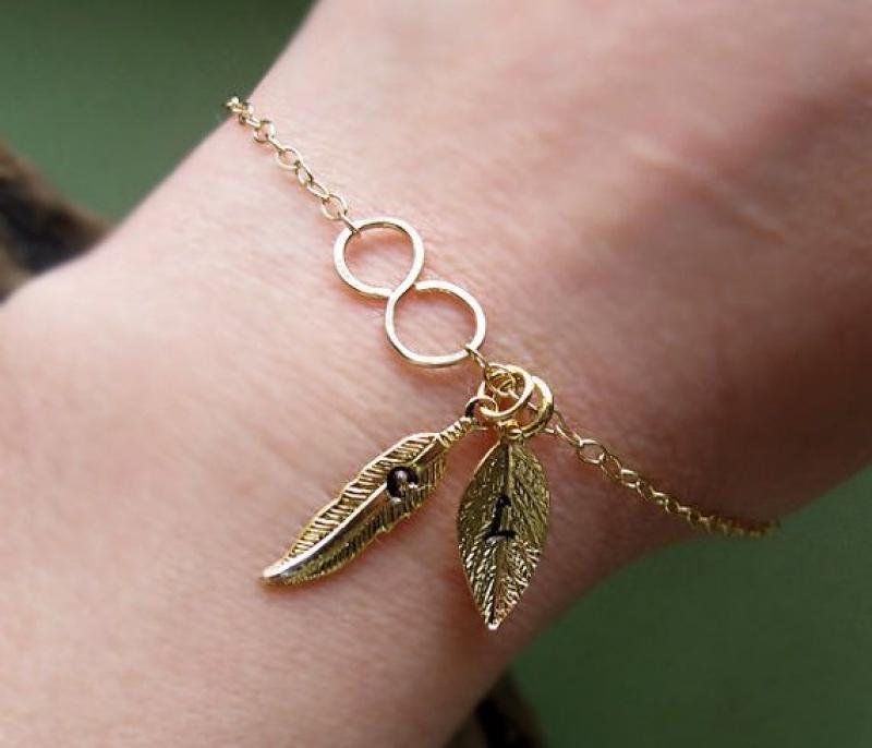 צמיד זהב עם עלים - מתנות לאישה - צמידי גולדפילד - מתנה לחברה - צמיד אינפיניטי
