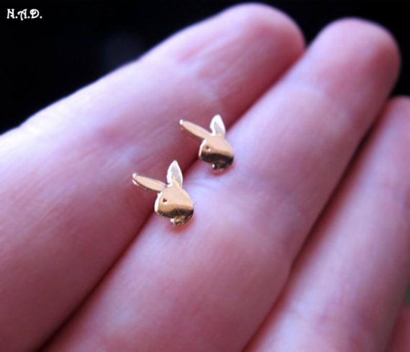 עגילים מגניבים - עגילי זהב צמודים - עגילי ארנב / שפן - עגילי זהב קטנים צמודים - עגילים קטנים