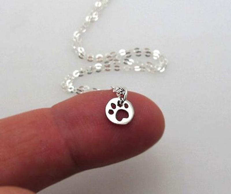 שרשרת מגניבה לאישה - שרשרת כסף עם תליון כפת כלב - מתנה מגניבה ליום הולדת - תכשיטי כיץ 2015