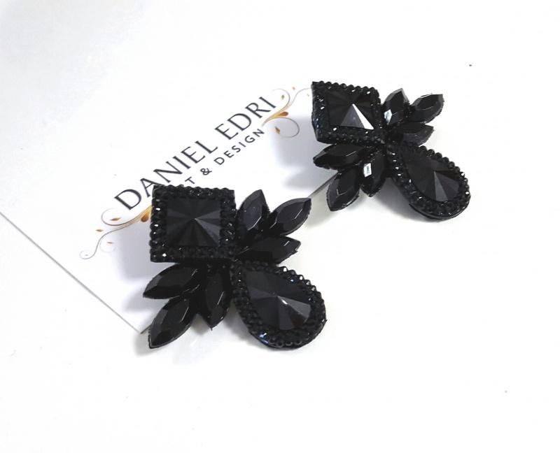 עגיל שייני שחור