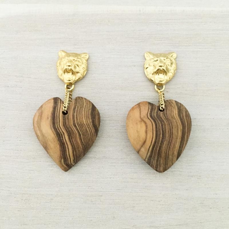 עגילי צ'יטה עם לב עץ זית