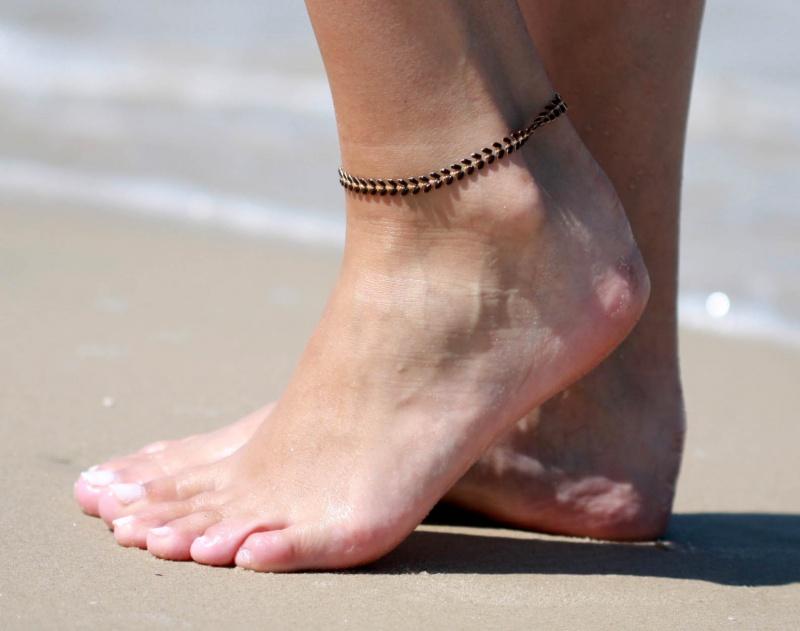 צמיד רגל - צמיד שחור לרגל - צמיד רגל אופנתי - צמידי רגלים - תכשיטי חוף - תכשיטי קיץ - צמיד רגל חיצים שחור
