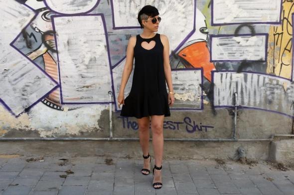 שמלת לב שחור