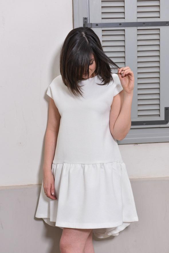 שמלת סוויד לבנה