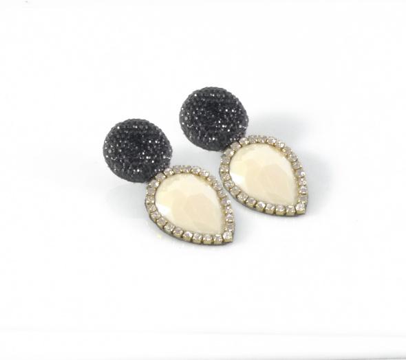 עגילי ערב כפתור שחור צמודי אוזן