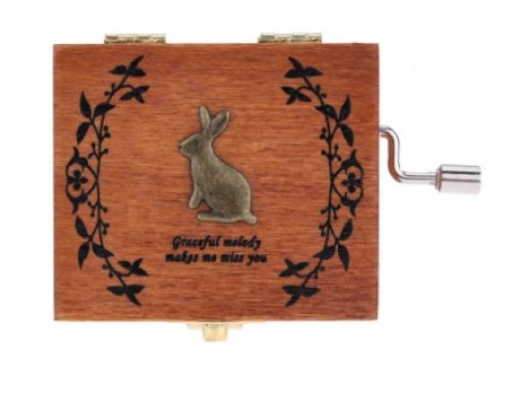 תיבת נגינה מעץ דגם ארנב