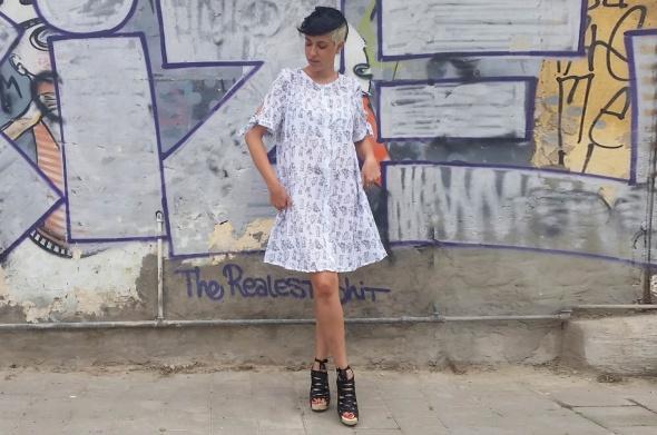 שמלת רוקנרול שחור לבן