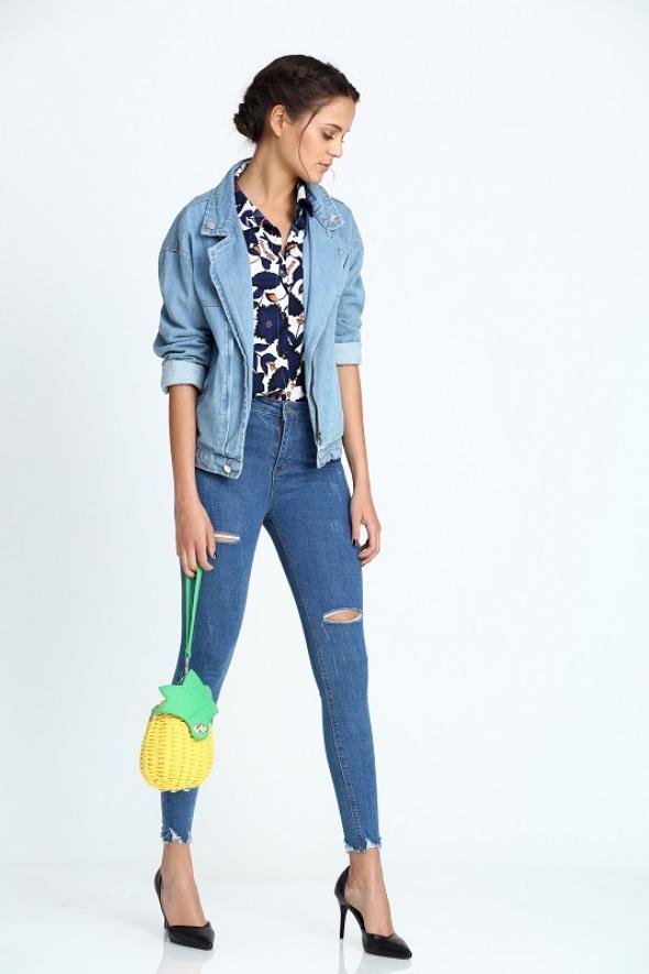 ג'ינס סקיני קרעים סיומת גזורה