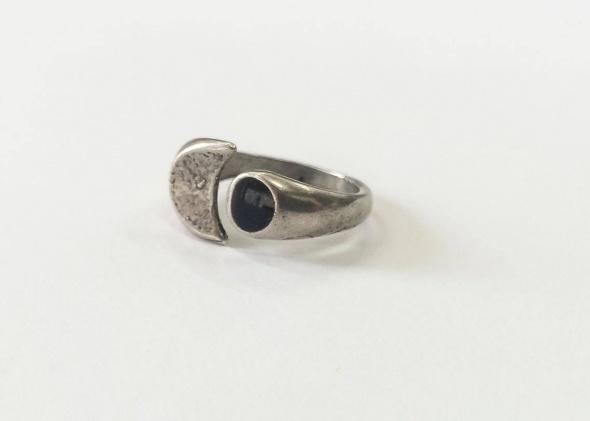 טבעת ירח וינטאג' ציפוי כסף נקודה שחורה