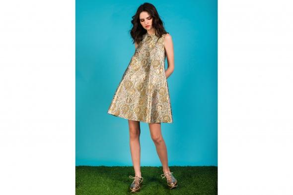 שמלת פייבאקלוק פרחונית מוזהבת תכלת