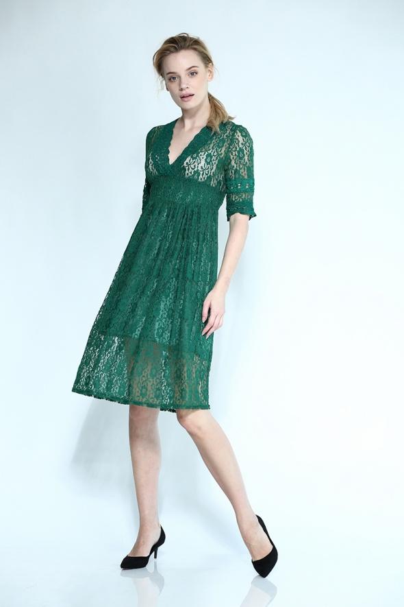 שמלת מידי תחרה וינטג' מפתח V