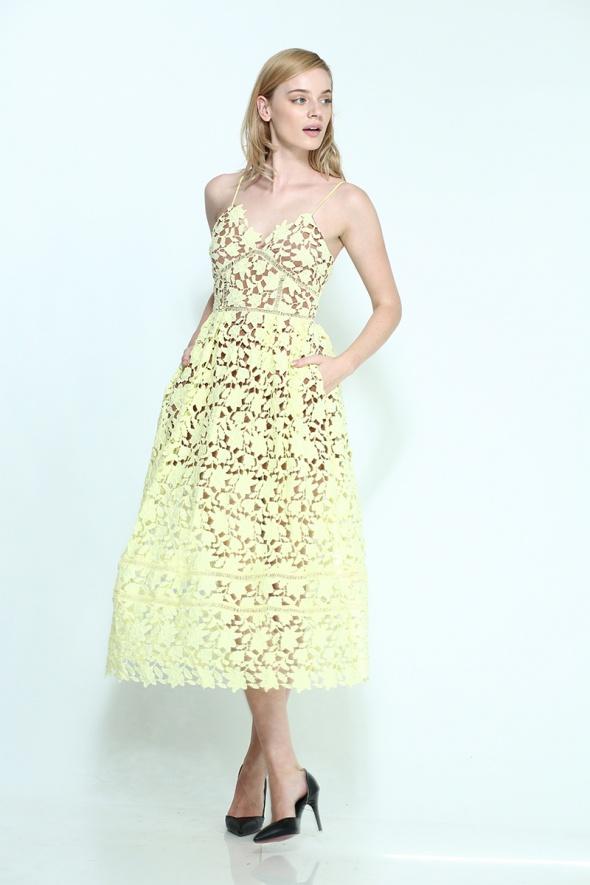 שמלת מידי אפליקציית פרחים + כיסים צהובה