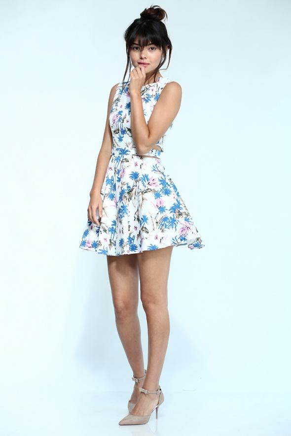 שמלת קאט אאוט פרחונית