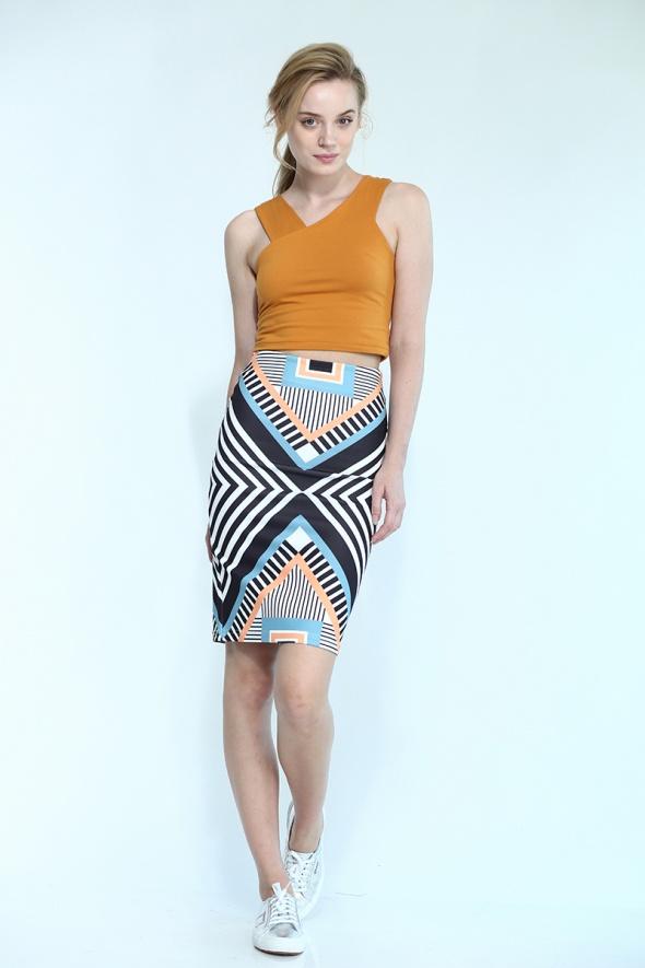 חצאית מידי הדפס גאומטרי